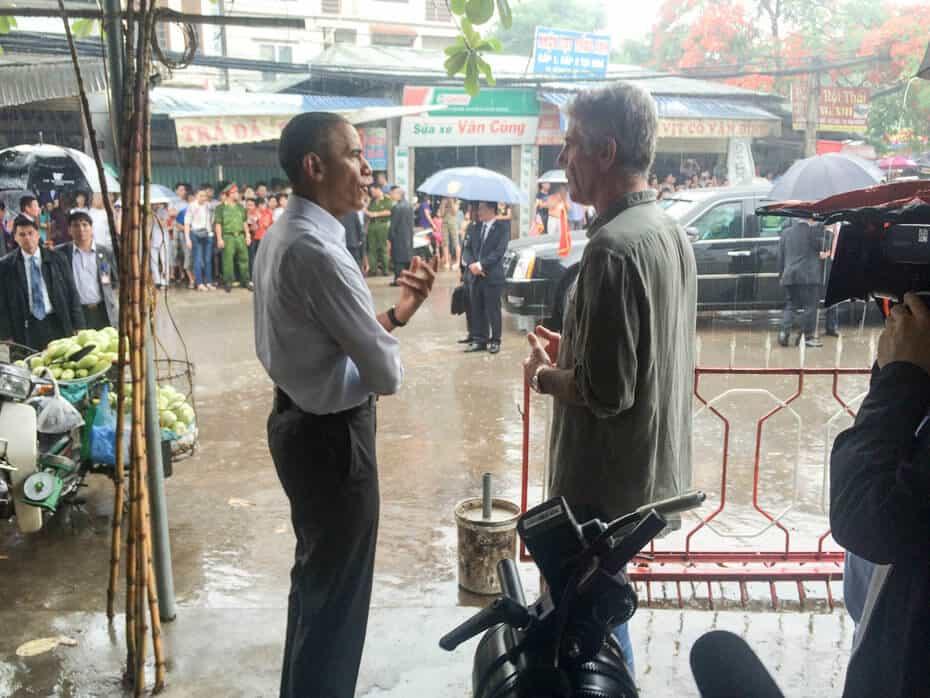 President Obama & Anthony Bourdain in Hanoi - Food and Travel Vietnam