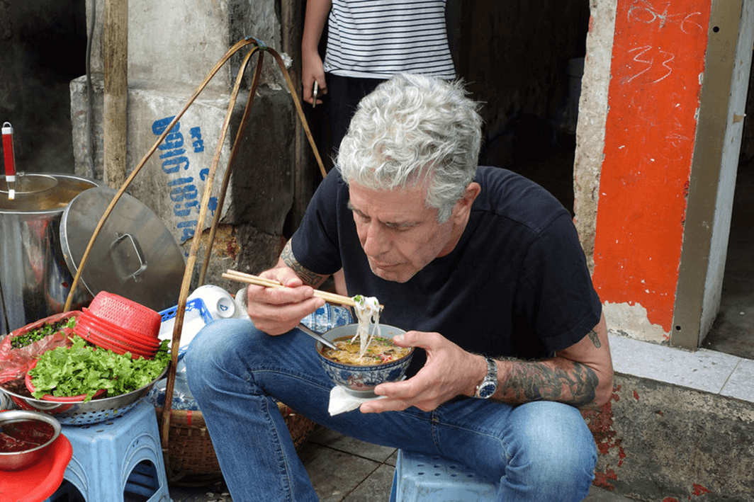 Anthony Bourdain eating Street Food in Vietnam
