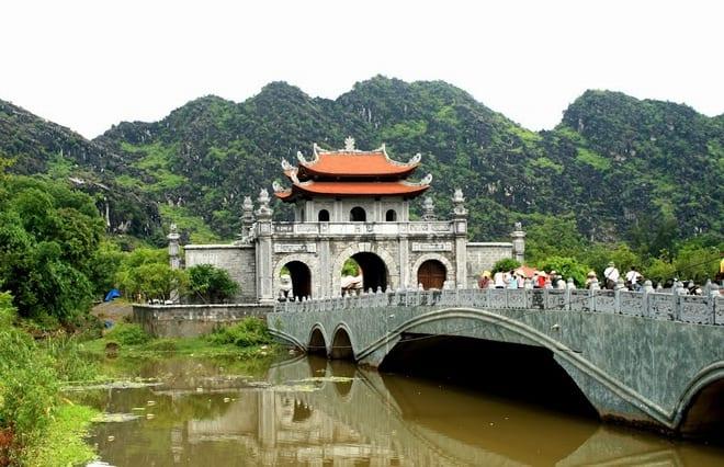 hoa-lu-ancient-citadel