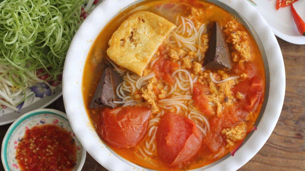 Bun Rieu - One of the most famous dishes in Vietnam