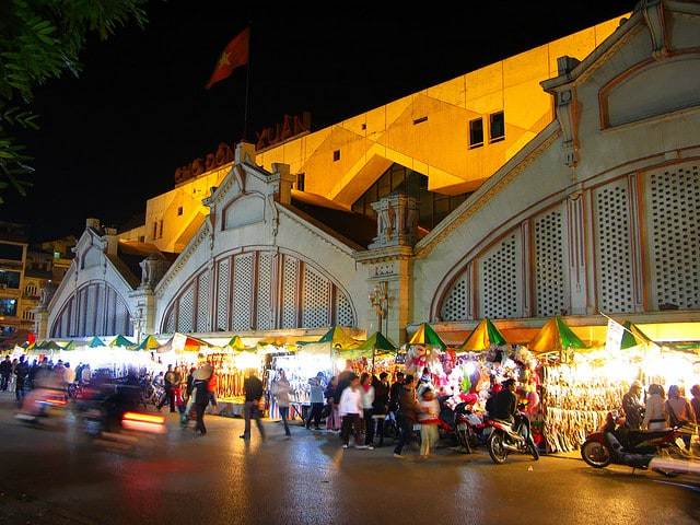 Five Best Food Markets in Hanoi - Food and Travel Vietnam