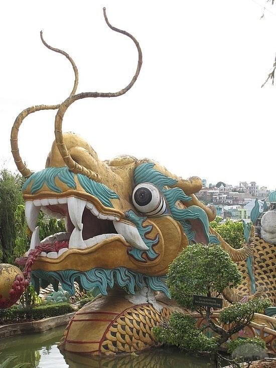 Dragon Statue Dalat
