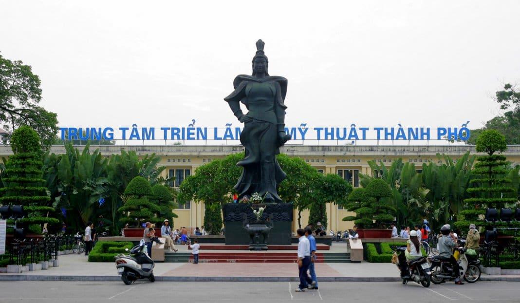 Le Chan Monument Haiphong