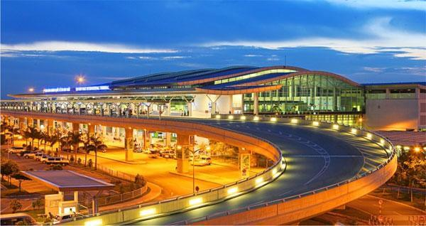 Danang Airport Night