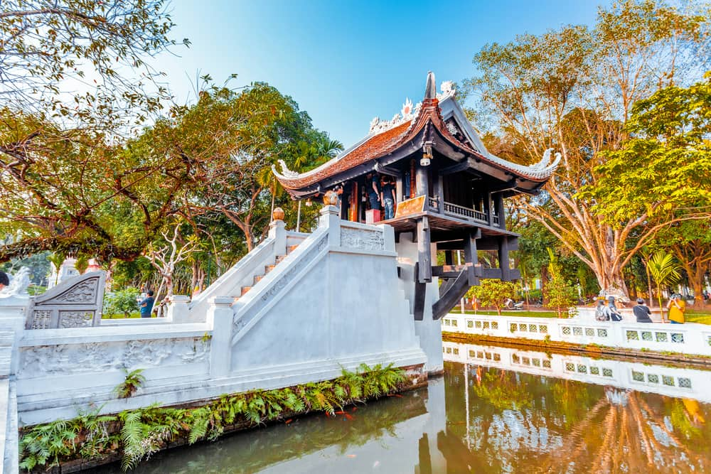 One-Pillar-Pagoda-in-the-capital-of-Vietnam